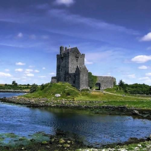 Ruinas medievales en Galway