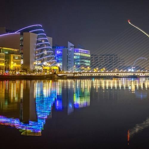 Alumbrado nocturno en Dublín